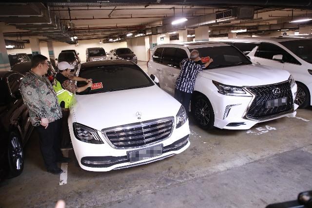Punya Mobil Mewah, tapi gak Mau Bayar Pajak, Yakin Situ Kaya?