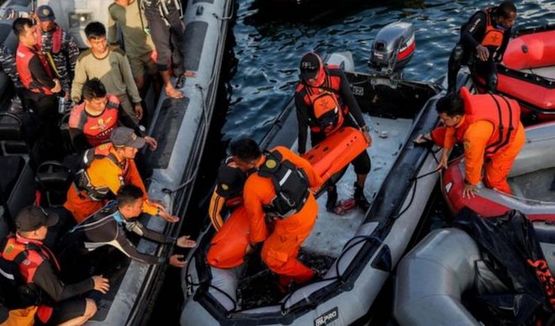 https: img.okeinfo.net content 2019 12 07 337 2139162 6-kecelakaan-kapal-mengerikan-di-indonesia-nomor-5-korbannya-hampir-200-orang-gkzDO9zAvJ.jpg