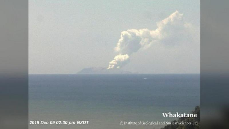 https: img.okeinfo.net content 2019 12 09 18 2139753 satu-orang-tewas-akibat-letusan-gunung-berapi-selandia-baru-korban-mungkin-bertambah-zuqZHCWl9c.jpg