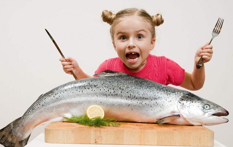 https: img.okeinfo.net content 2019 12 10 481 2140372 makan-ikan-seminggu-sekali-bikin-si-kecil-lebih-sehat-dan-pintar-WfDidHlmK2.jpg