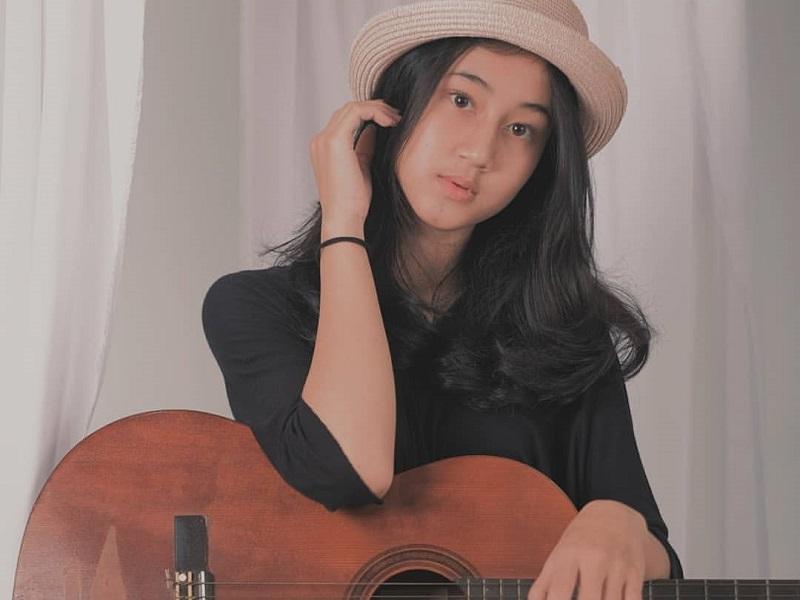 https: img.okeinfo.net content 2019 12 11 194 2140518 5-gaya-keisya-levronka-yang-terjegal-di-indonesian-idol-2019-polos-menggemaskan-qqJcoZk5XB.jpg