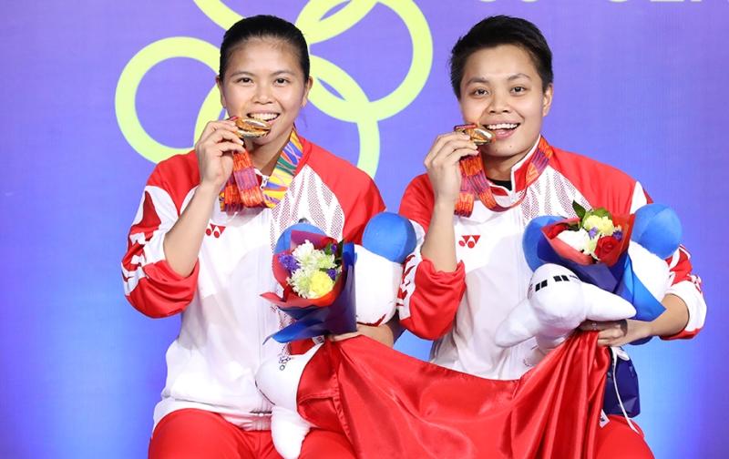 https: img.okeinfo.net content 2019 12 11 40 2140433 medali-emas-sea-games-tambah-kepercayaan-diri-greysia-apriyani-di-bwf-world-tour-finals-2019-X0LzxPBXp7.jpg