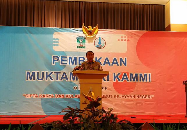https: img.okeinfo.net content 2019 12 12 43 2140939 menpora-sayangkan-indonesia-absen-di-beberapa-cabang-olahraga-sea-games-2019-a4PgJwdBhA.jpg