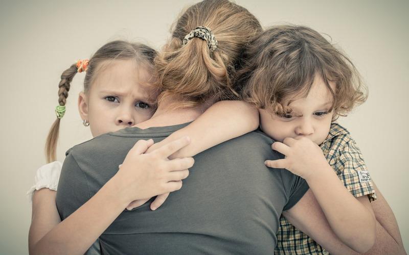 https: img.okeinfo.net content 2019 12 13 196 2141397 indonesia-belum-terbebas-dari-masalah-kekerasan-terhadap-anak-DQr8k2e0rp.jpg