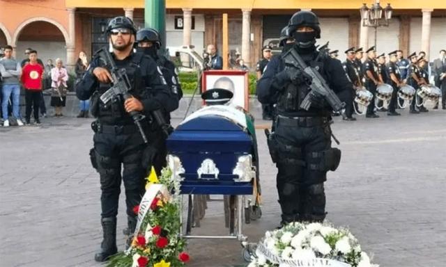 https: img.okeinfo.net content 2019 12 18 18 2143473 12-polisi-tewas-dibunuh-kartel-narkoba-meksiko-dalam-sepekan-2cTBJiUexn.jpg
