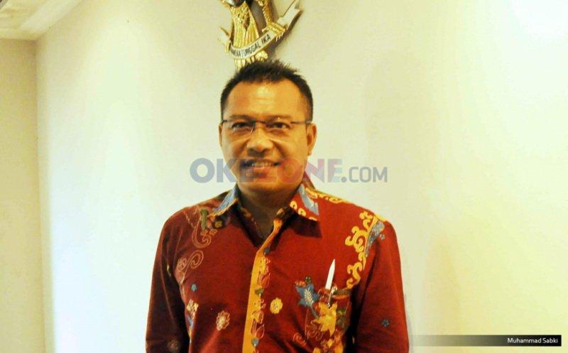 https: img.okeinfo.net content 2019 12 19 205 2144023 cara-anang-hermansyah-perjuangkan-nasib-musisi-indonesia-plKmKCosJE.jpg