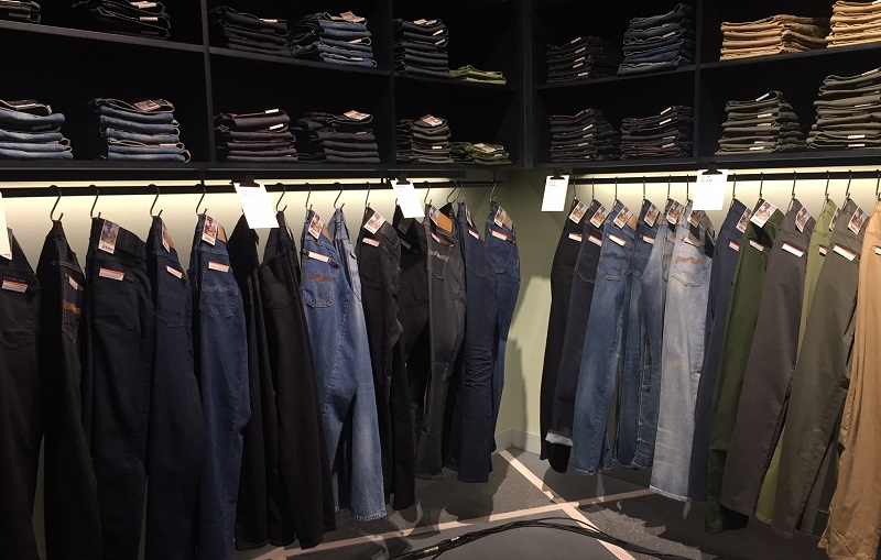 https: img.okeinfo.net content 2019 12 20 194 2144260 jeans-berbahan-kapas-organik-ini-keunggulannya-mHRPzAfoFk.jpeg