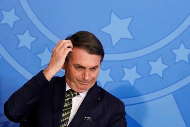 https: img.okeinfo.net content 2019 12 26 18 2146201 presiden-brasil-mengaku-kehilangan-ingatan-usai-terjatuh-di-kamar-mandi-sWxwvkExQ7.jpg