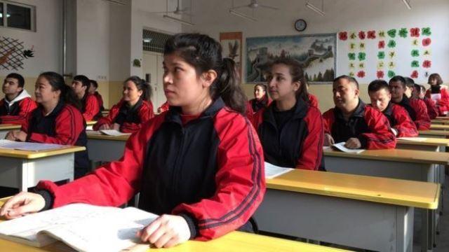 https: img.okeinfo.net content 2019 12 31 18 2147793 china-kirim-497-000-anak-etnis-uighur-ke-sekolah-asrama-7pIiLS05Gm.jpg