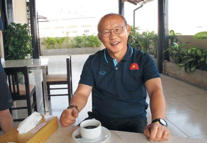 https: img.okeinfo.net content 2019 12 31 51 2147683 pelatih-timnas-vietnam-tak-sabar-hadapi-shin-tae-yong-TBfXOEFdkd.jpg