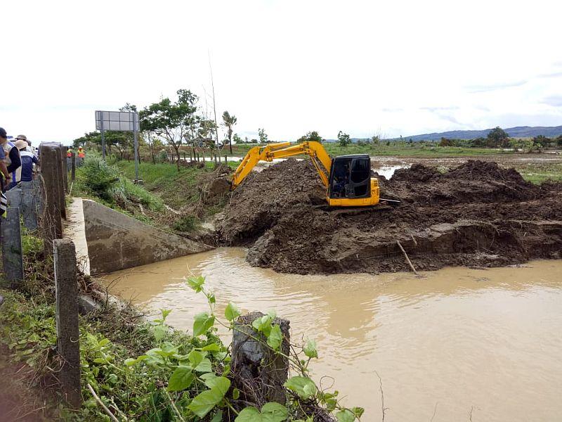 https: img.okeinfo.net content 2020 01 01 525 2148229 antisipasi-banjir-pengelola-tol-cipali-lakukan-pelebaran-sungai-cilalanang-fbxDwwEZGD.jpg