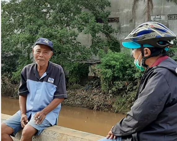 https: img.okeinfo.net content 2020 01 06 320 2149885 menteri-atr-naik-sepeda-susuri-daerah-banjir-hingga-dengar-keluhan-warga-MWDZhpFrV7.png