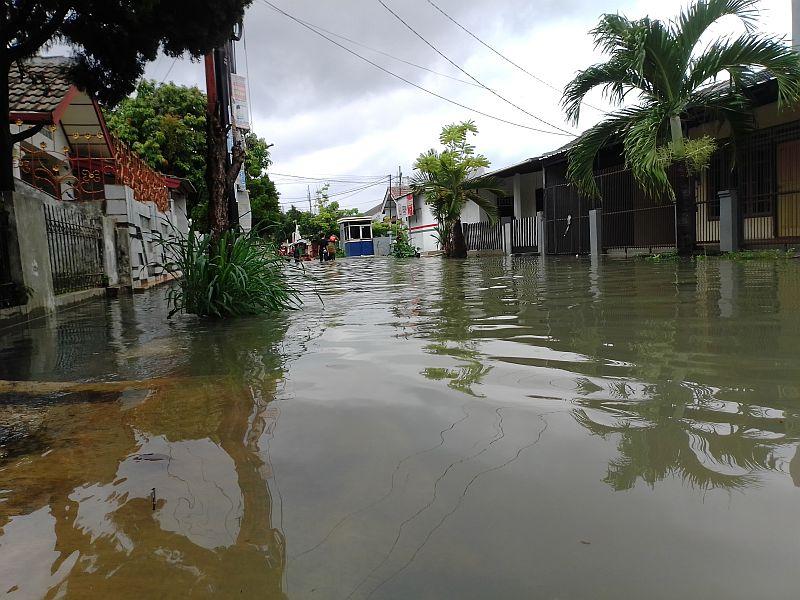 https: img.okeinfo.net content 2020 01 08 470 2150829 daerah-langganan-banjir-harga-jual-rumah-turun-6fOSVEcqiE.jpg