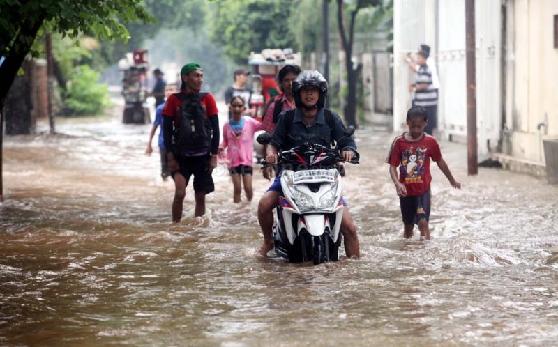 https: img.okeinfo.net content 2020 01 09 53 2151092 kenali-risiko-beli-motor-bekas-banjir-rYrW37tMUo.jpg