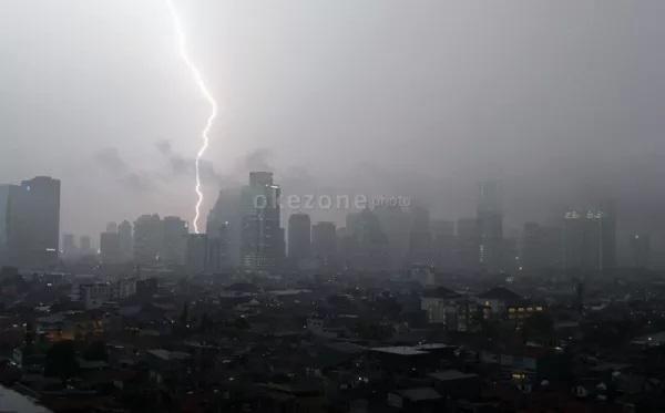 https: img.okeinfo.net content 2020 01 09 56 2151023 dua-metode-teknologi-modifikasi-cuaca-untuk-kurangi-curah-hujan-lwljrxD1J6.jpg