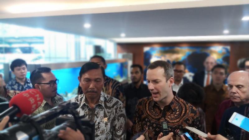 https: img.okeinfo.net content 2020 01 10 320 2151405 as-bakal-investasi-miliaran-dolar-di-indonesia-zH06OwUn43.jpg
