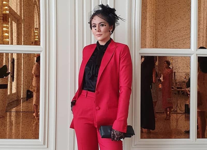 https: img.okeinfo.net content 2020 01 14 194 2152737 5-gaya-wulan-guritno-pakai-blazer-inspirasi-tampil-elegan-Ny9rgbCgIg.jpg