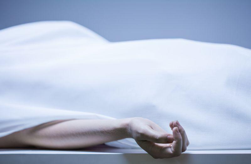 https: img.okeinfo.net content 2020 01 14 338 2152668 disangka-tidur-seorang-pria-ditemukan-meninggal-di-taman-jogging-kemayoran-ToXymFVy8v.jpg