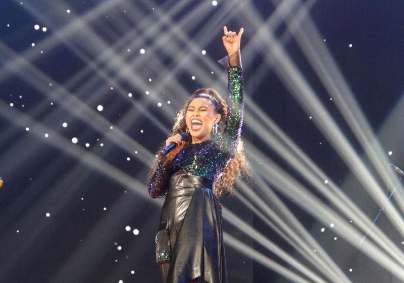 https: img.okeinfo.net content 2020 01 14 598 2152578 dapat-5-standing-ovation-novia-tereliminasi-dari-indonesian-idol-xVkn9PH1ra.jpg