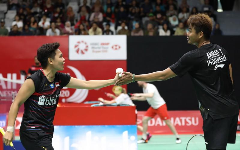 https: img.okeinfo.net content 2020 01 15 40 2153137 shesar-dan-tontowi-apriyani-amankan-tiket-ke-16-besar-indonesia-masters-2020-qsEPL4semI.jpg