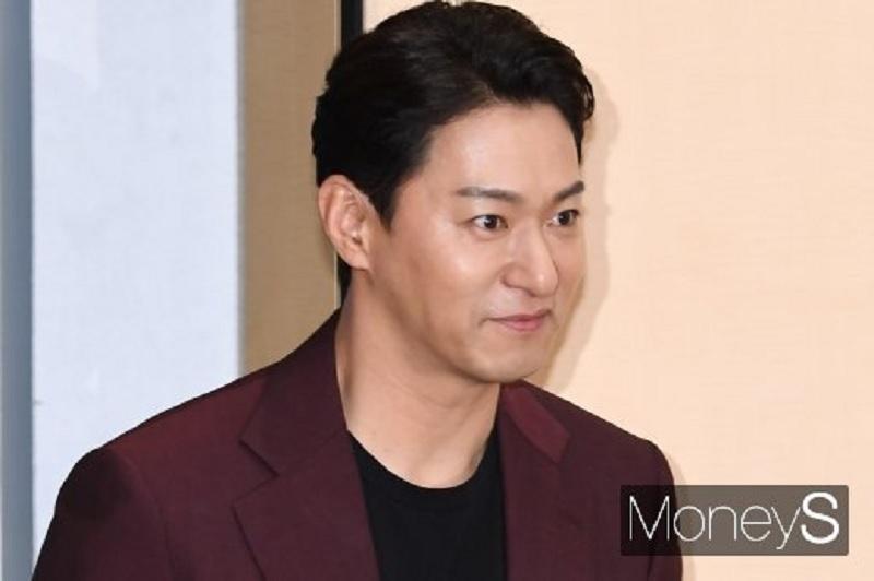 https: img.okeinfo.net content 2020 01 17 33 2154336 setelah-joo-jin-mo-muncul-aktor-lain-korban-pemerasan-hacker-gsCBjWjBw3.jpg