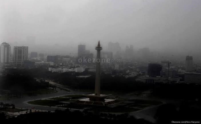 https: img.okeinfo.net content 2020 01 18 338 2154669 hujan-diprediksi-kembali-guyur-jakarta-pada-siang-ini-eQfrM3tHp0.jpg