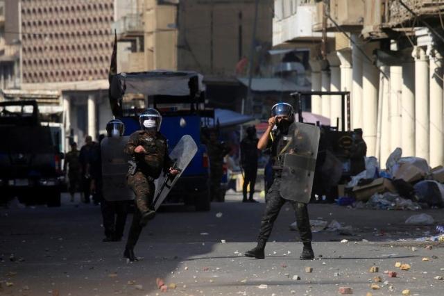 https: img.okeinfo.net content 2020 01 21 18 2155905 6-orang-termasuk-2-polisi-tewas-akibat-demo-berujung-rusuh-di-irak-TMxU5cTBJz.jpg