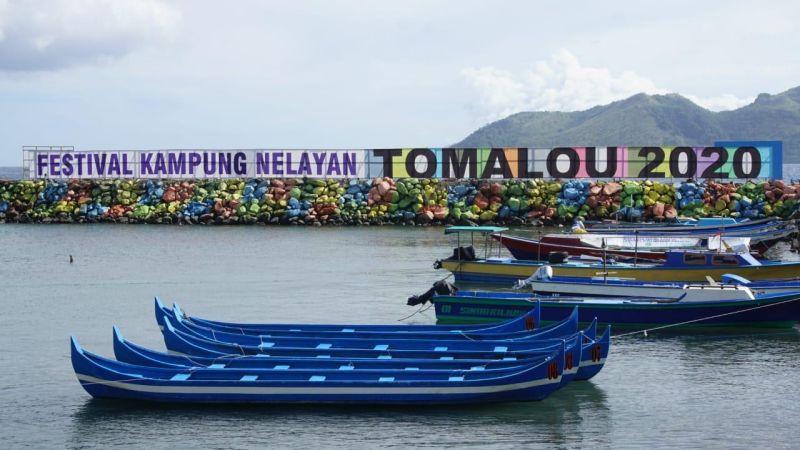 https: img.okeinfo.net content 2020 01 21 406 2156283 melihat-potensi-wisata-maritim-maluku-utara-lewat-festival-kampung-nelayan-tomalou-nLzvzBrtyc.JPG