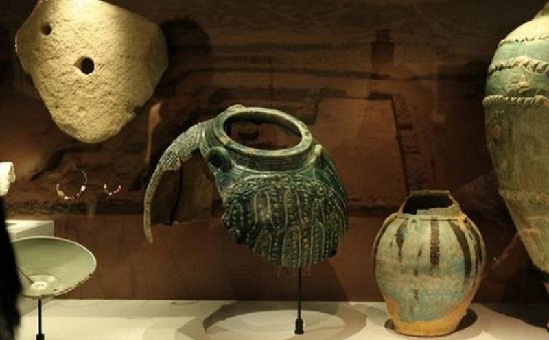 https: img.okeinfo.net content 2020 01 22 615 2156653 arab-saudi-pamerkan-artefak-islam-di-pameran-arkeologi-gcc-ufO9XnGmim.jpg