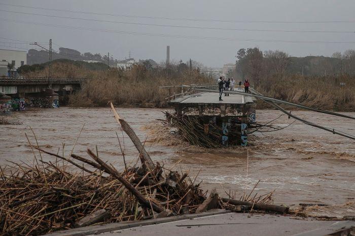 https: img.okeinfo.net content 2020 01 24 18 2157618 badai-gloria-terjang-spanyol-13-orang-tewas-dan-4-dilaporkan-hilang-U2WwWuA4QZ.jpg