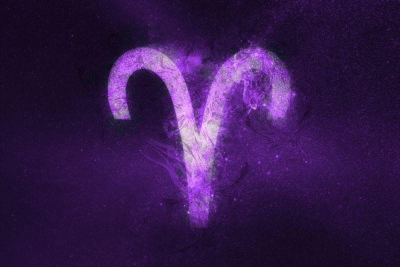 https: img.okeinfo.net content 2020 02 04 612 2163160 ramalan-zodiak-hari-ini-aries-sisihkan-uang-untuk-menabung-T38EyscJGG.jpg