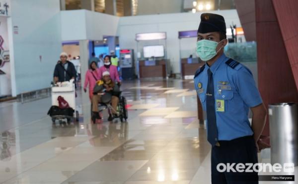https: img.okeinfo.net content 2020 02 05 320 2163528 bandara-soetta-setop-seluruh-penerbangan-indonesia-china-0tbLipLJw6.jpg