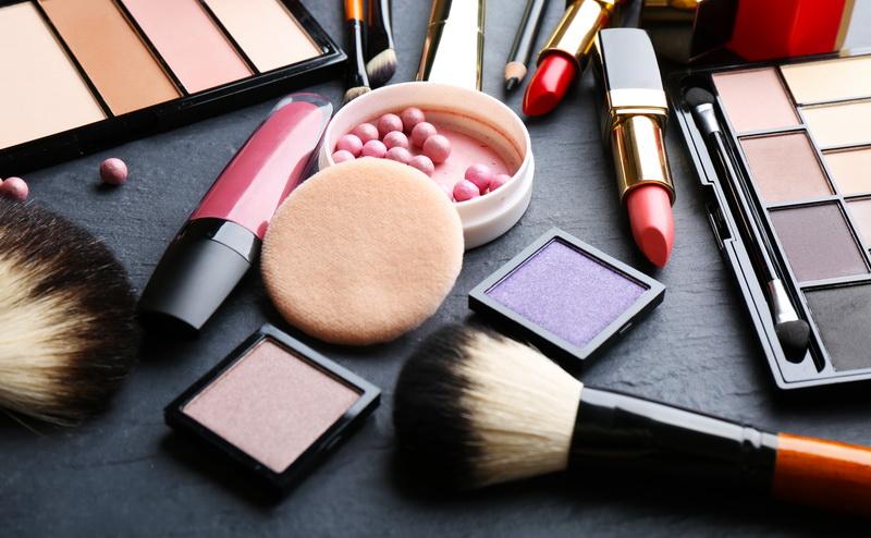 https: img.okeinfo.net content 2020 02 11 196 2166734 pacar-hobi-makeup-ini-5-kado-valentine-terbaik-untuk-dia-z6RUtIKNBa.jpg