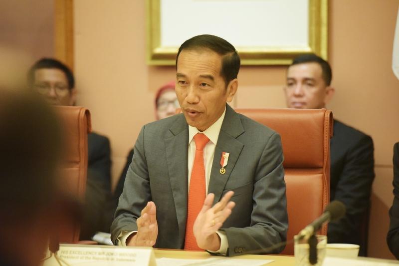 https: img.okeinfo.net content 2020 02 12 337 2167437 presiden-jokowi-ke-xi-jinping-indonesia-bantu-china-tangani-virus-korona-s5VdY6B7PK.jpg