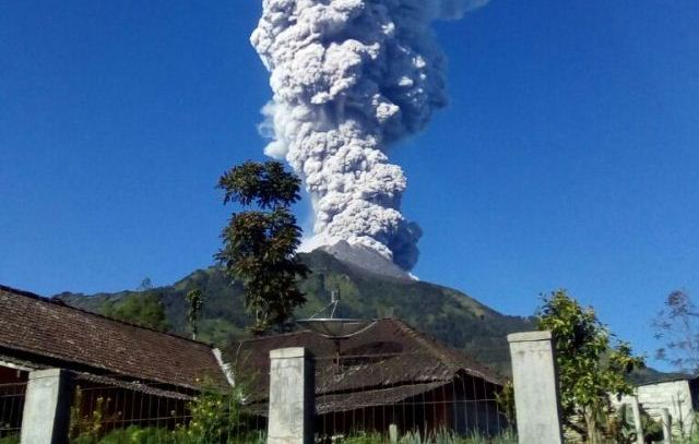 https: img.okeinfo.net content 2020 02 13 512 2168113 riwayat-letusan-eksplosif-gunung-merapi-DntfetmuzT.jpg