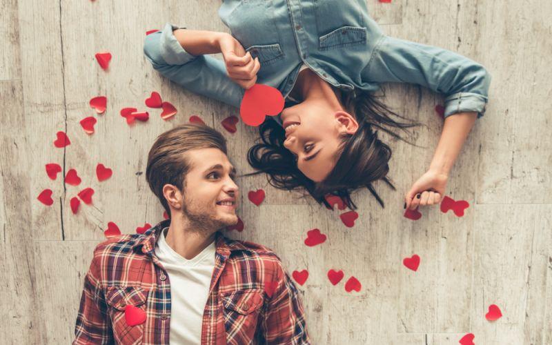 https: img.okeinfo.net content 2020 02 14 196 2168361 ucapan-hari-valentine-untuk-pacar-dan-sahabat-dijamin-hatinya-meleleh-MKveOTFsX3.jpg