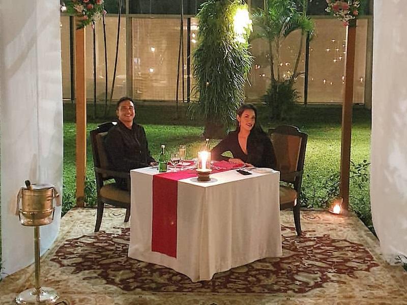 https: img.okeinfo.net content 2020 02 14 196 2168753 intip-momen-dinner-romantis-raisa-dan-hamish-daud-di-hari-valentine-rUsU4DzgLI.jpg