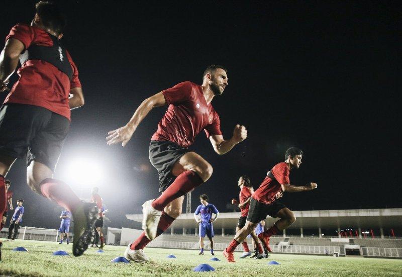 https: img.okeinfo.net content 2020 02 14 51 2168767 timnas-indonesia-gelar-latihan-perdana-di-stadion-madya-Fr1fgSvbY3.jpg