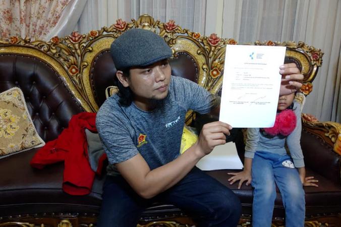 https: img.okeinfo.net content 2020 02 17 340 2169631 pulang-dari-observasi-di-natuna-wni-asal-pekanbaru-istirahat-seharian-di-rumah-iwqGG01z7N.png