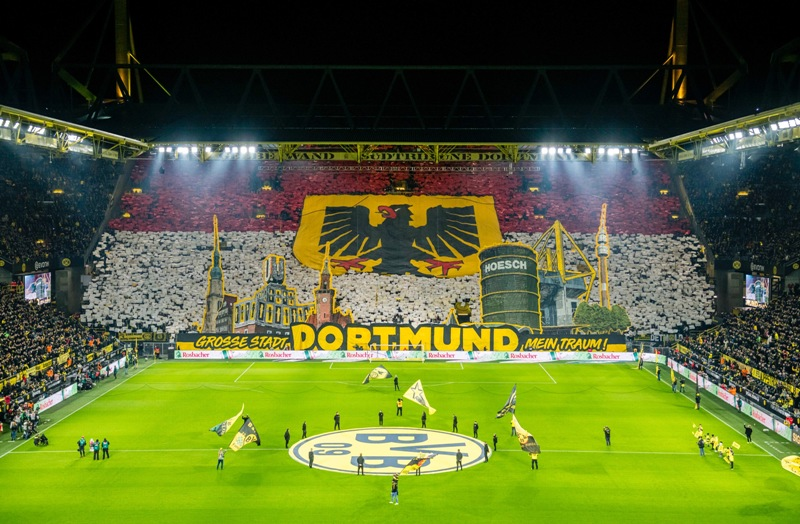 https: img.okeinfo.net content 2020 02 18 261 2170449 dortmund-vs-psg-witsel-minta-para-fans-penuhi-stadion-signal-iduna-park-BE5k6NcCdI.jpg