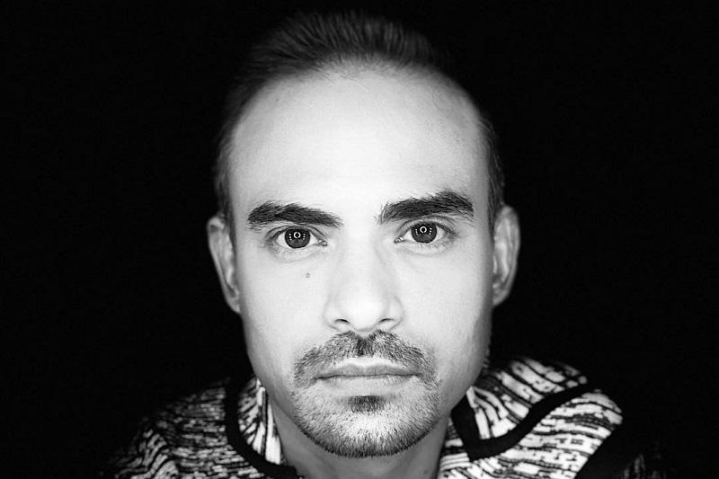 https: img.okeinfo.net content 2020 02 18 33 2170185 daniel-mananta-sempat-bertemu-ashraf-sinclair-beberapa-jam-sebelum-meninggal-3gNc0grWEP.jpg