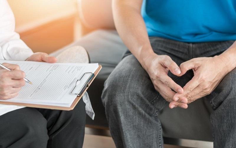 https: img.okeinfo.net content 2020 02 18 481 2170476 buang-air-kecil-secara-duduk-untungkan-pria-penderita-pembengkakan-prostat-BKDfik6wCb.jpg