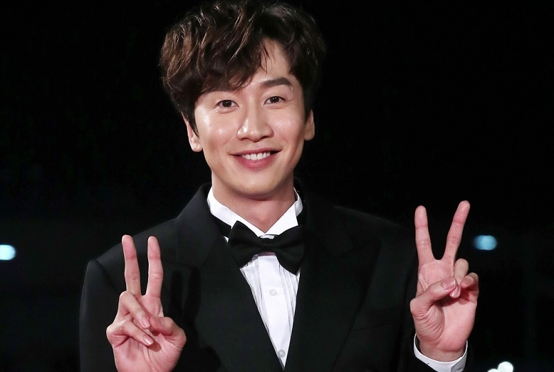 https: img.okeinfo.net content 2020 02 18 598 2170411 ankle-retak-usai-kecelakaan-mobil-lee-kwang-soo-rehat-dari-running-man-pE2yFvuIKR.jpg