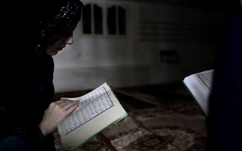https: img.okeinfo.net content 2020 02 26 614 2174240 idaman-semua-pria-ini-5-ciri-istri-salehah-dalam-islam-OdCuPHm7DZ.jpg