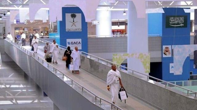 https: img.okeinfo.net content 2020 02 27 18 2175133 arab-saudi-perketat-pemegang-visa-non-umrah-di-bandara-king-abdul-aziz-WUfeIXeamw.jpg