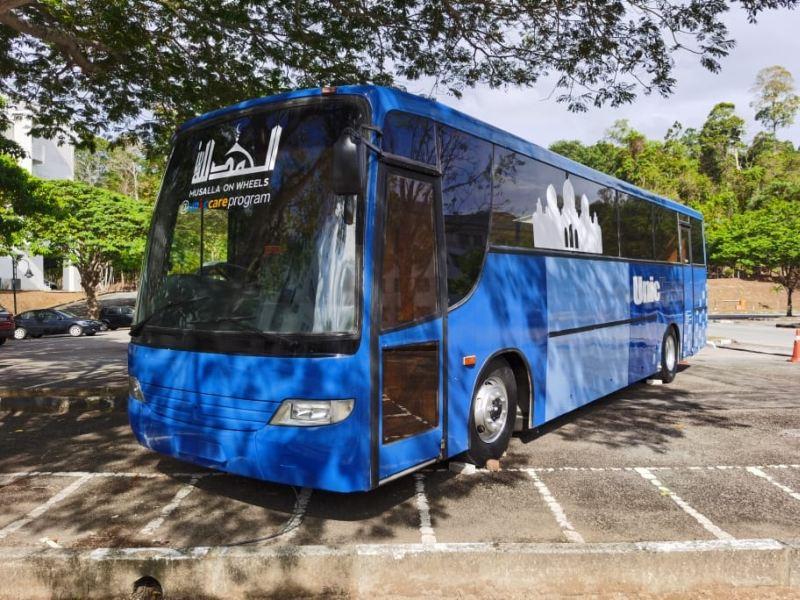 https: img.okeinfo.net content 2020 03 04 312 2178274 universitas-di-malaysia-modifikasi-bus-sebagai-musala-berjalan-OB126OdNi5.jpg