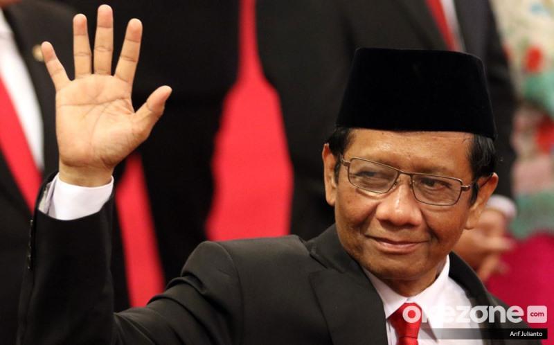 https: img.okeinfo.net content 2020 03 10 337 2181129 mahfud-md-indonesia-bisa-hancur-kalau-kita-tak-mampu-jaga-5-komitmen-gR0iy6XBov.jpeg