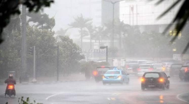 https: img.okeinfo.net content 2020 03 21 338 2186750 bmkg-hujan-disertai-petir-diperkirakan-terjadi-di-jakarta-pada-hari-ini-oNldxDVBA1.jpg