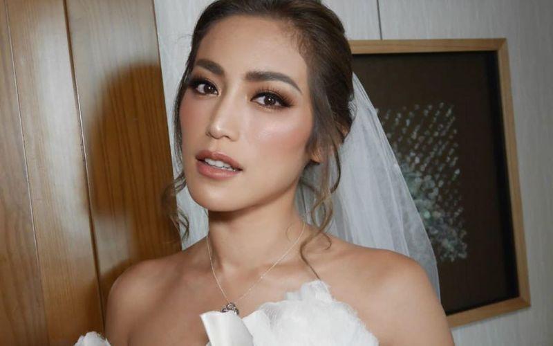 https: img.okeinfo.net content 2020 03 23 194 2187868 pesona-jessica-iskandar-berbalut-gaun-pengantin-putih-UOrPJN8Qle.jpg
