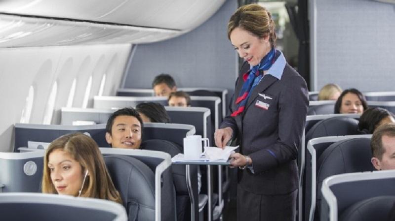 https: img.okeinfo.net content 2020 03 25 406 2188822 5-perilaku-menyebalkan-penumpang-pesawat-yang-bikin-pramugari-kesal-EosjViDQyu.jpg